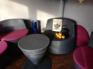 Blechschild TEA in der Lounge