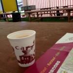 Kaffee im leeren Festzelt