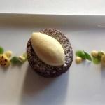 Schokoladekuchen mit Mais, Korianden und Arpeggio Decaffeinato